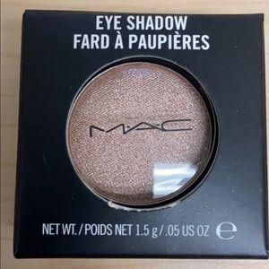 MAC Grand Entrance Eyeshadow